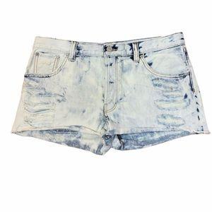 Aritzia Talula Acid Wash Distressed Jean Shorts